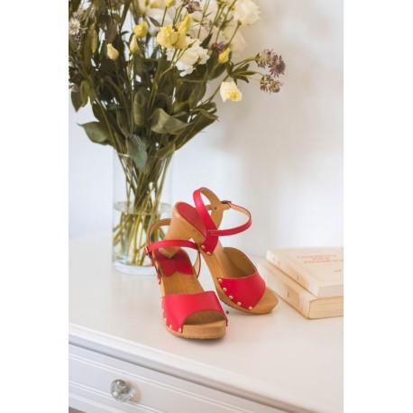 Sandales en bois et cuir, talon 9 cms