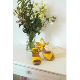 Sandales en bois et cuir, talon carré 7,5 cms